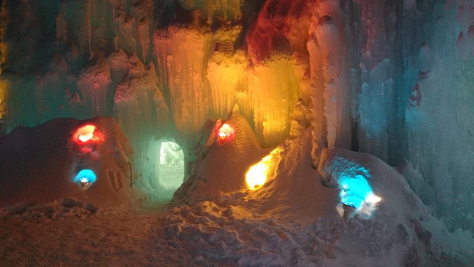 支笏湖氷濤まつりブルーシャトー付近