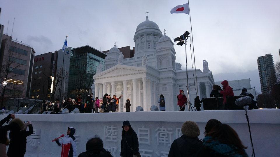 さっぽろ雪まつりのヘルシンキ大聖堂の大雪像