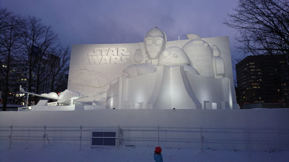 さっぽろ雪まつりのスターウォーズの大雪像