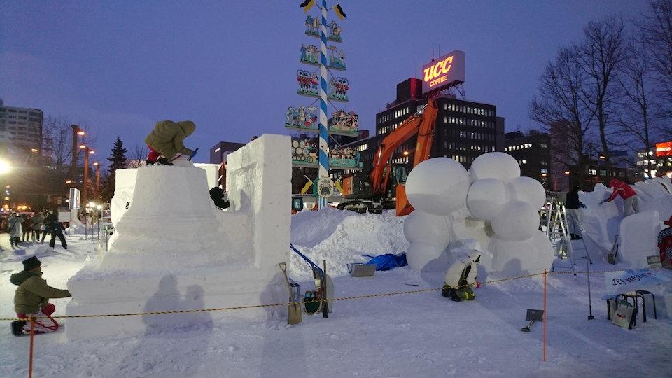 さっぽろ雪まつりコンテスト会場の雪像