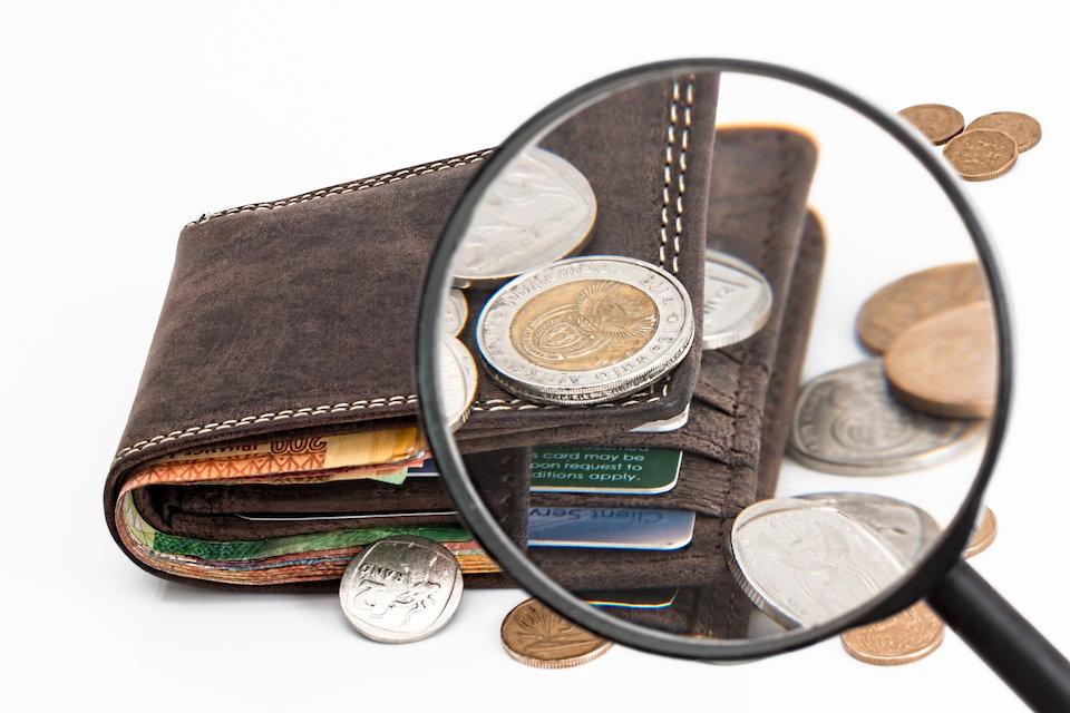 財布 お金 虫眼鏡