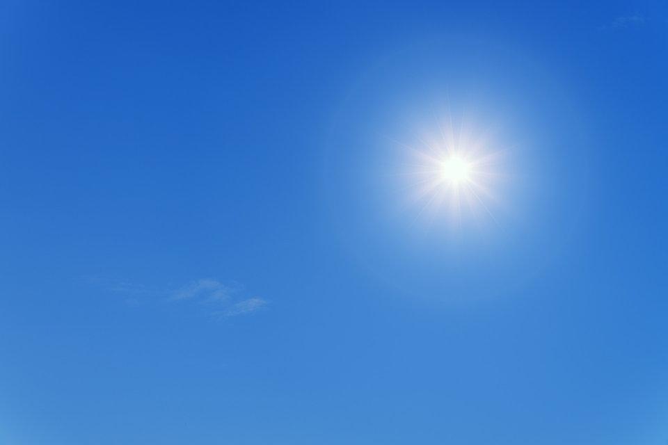 晴れ 青空 太陽