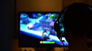 ゲーム ゲーマー ヘッドフォン プレイ モニタ